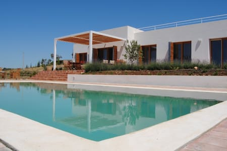 Villa with Private Pool and Garden - Stunning View - Menfi - Huvila