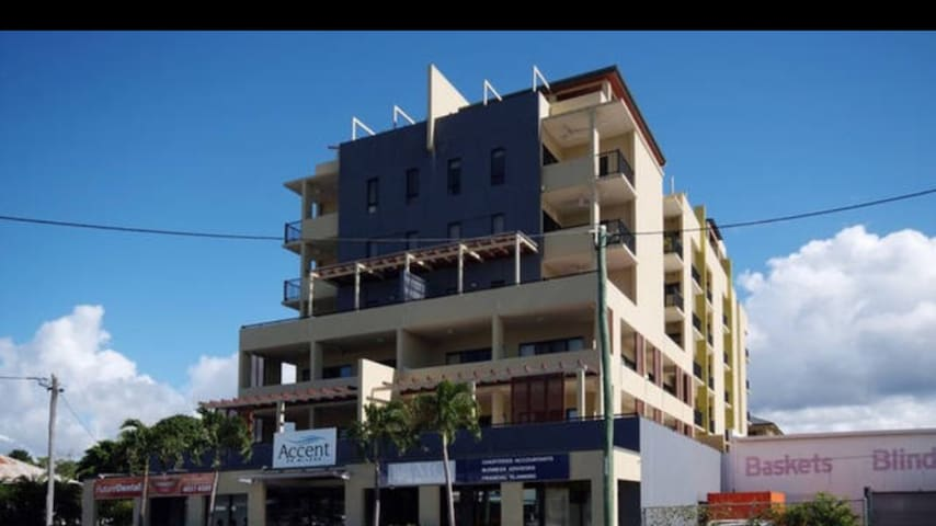 rare 3 bedroom tropical apartment flats for rent in