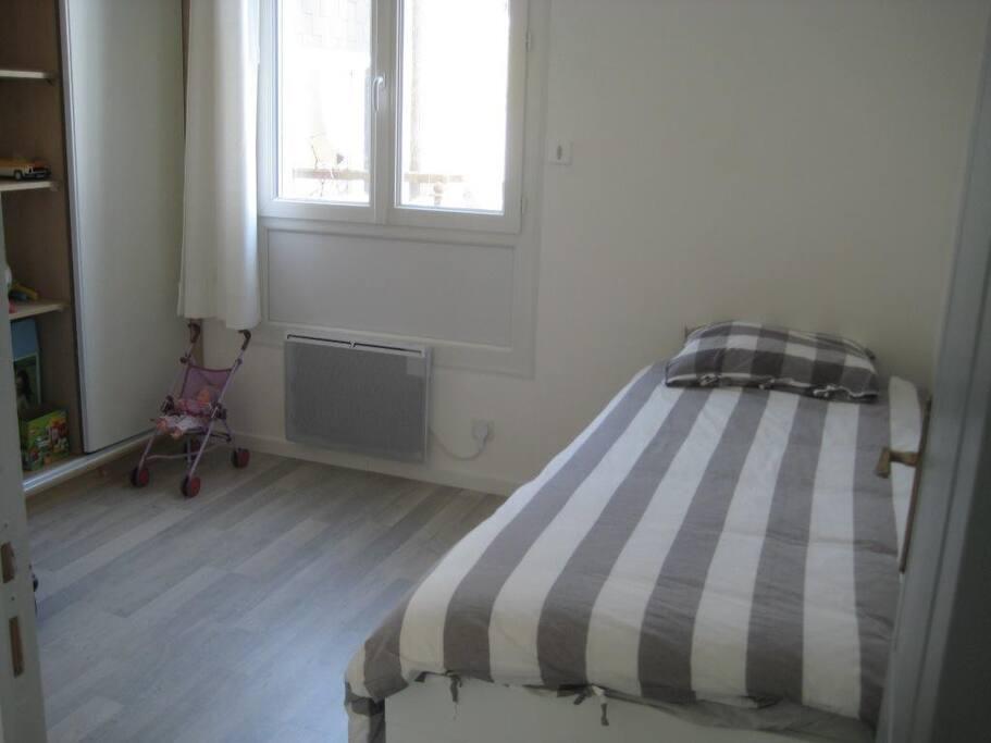 Chambre avec lits gigogne 2x80x200 cm ou 160x200 cm