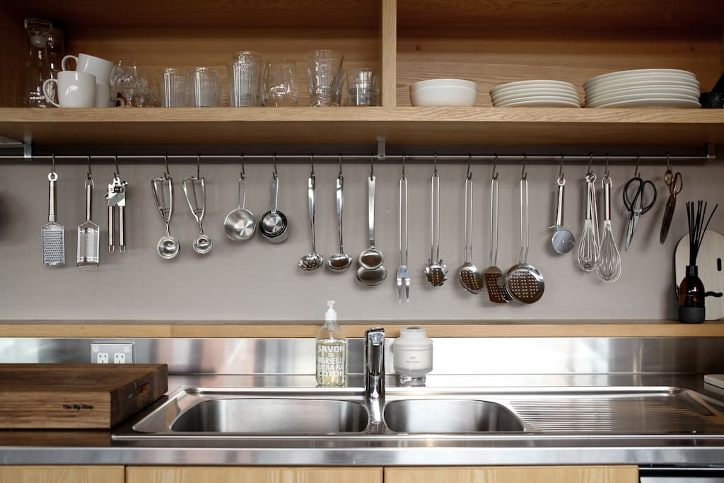 Kitchen and ammenities