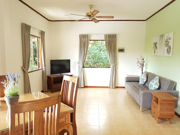 Woodlawn Villas Resort (1 Bed Apartment)