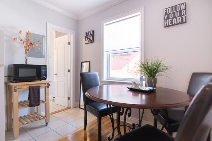 Cozy 1 Bdrm Apt steps from Canal - Ottawa - Daire