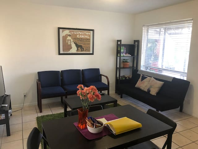 Thrifty & functional Private 2bd - SO MANY beds!