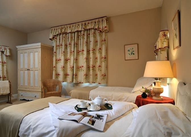 The Manor House, Much Wenlock - Much Wenlock - Bed & Breakfast