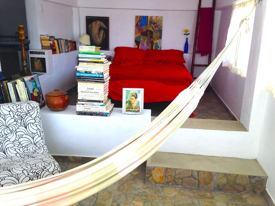 Hamac to relax while reading or listening to music