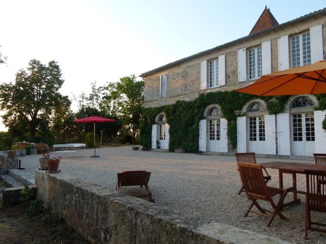Self catering cottage near Bordeaux - Quinsac - Apartamento