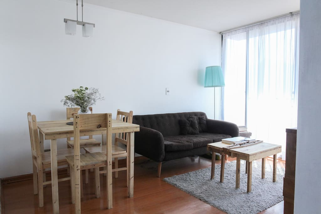 Living room and dining room for 4 persons.