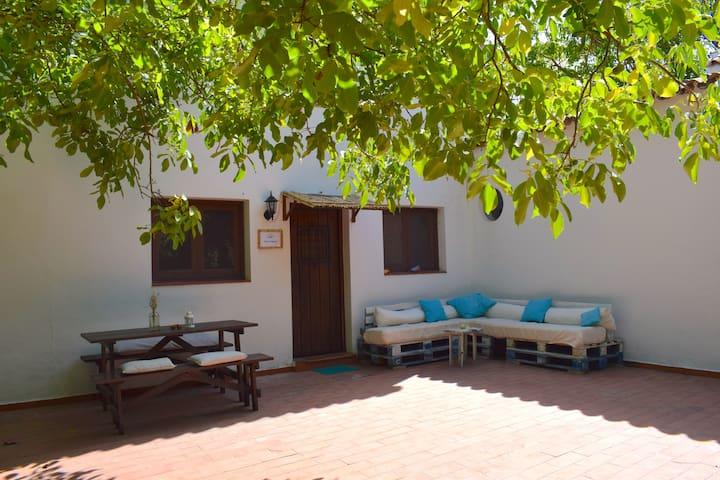 Casa Vegana, Room No. 3 with en suite bathroom