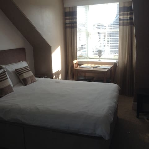 Hazels guest house (city centre) room 6
