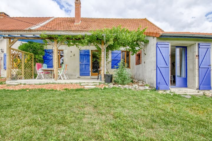 Garden-View Holiday Home in Sussat with Private Pool