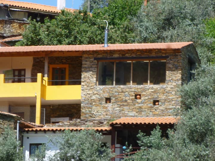 Benfeita:The yellow house with a view.