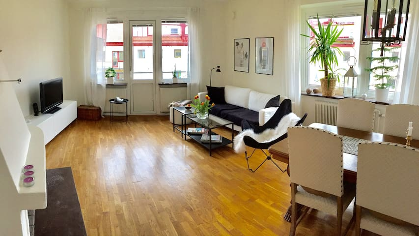 Big apartment in the city center. Bästa läget! - โกเธนเบิร์ก