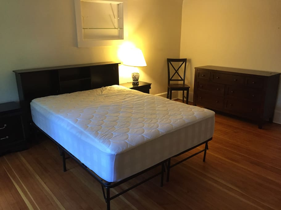 Very spacious bedroom (linens and pillows and blankets included.)