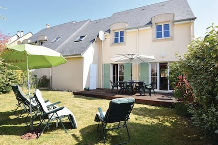Holiday cottage with 4 bedrooms on 94m² in Port-en-Bessin-Huppain