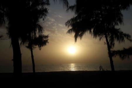 "Entre mer et lagune un ""PARADIS"" - Nianing"