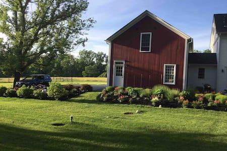 Private  Loft Studio at Princeton Lavender Farm