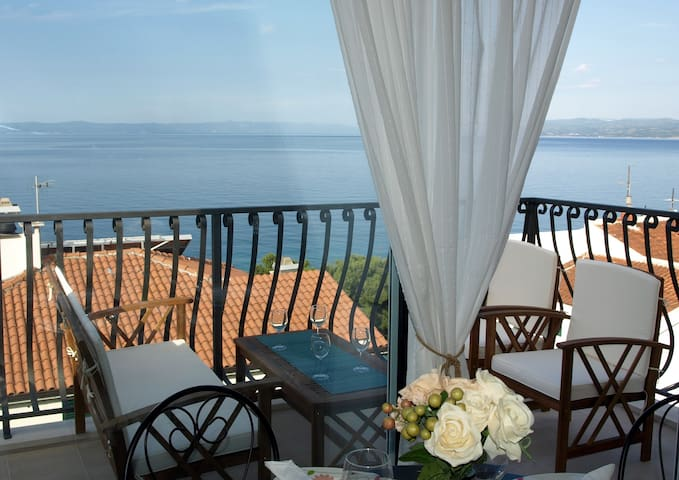 Studio with Balcony and Sea View