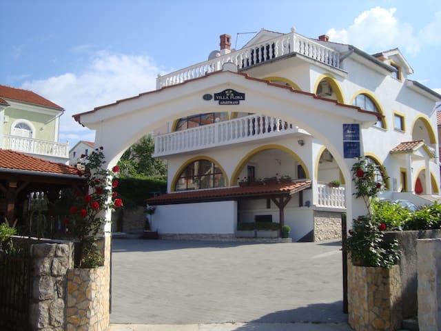 VILLA FLORA- JASMINUM Apartment