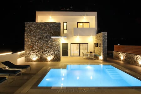 Villa Romeo - Prasonisi Villas - Kattavia