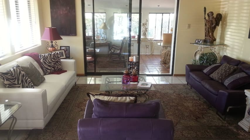 Relax in Clean and Spacious Home - Oro Valley - Haus