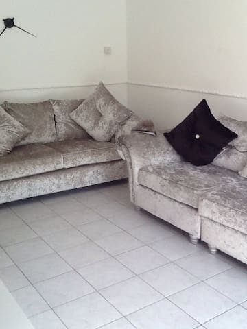 3 Bedroom House in Essex - Basildon - Huis
