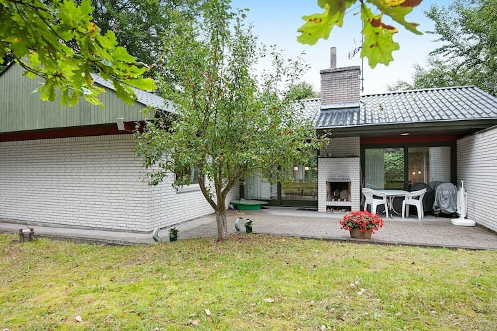 Delightful Holiday Home in Glesborg with Roofed Terrace