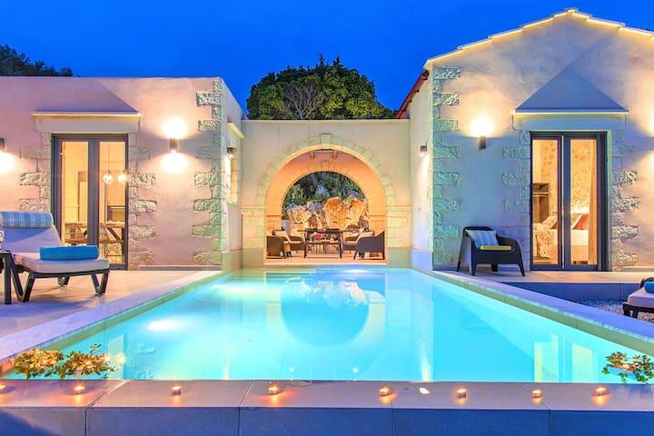 Vardis Villa Private Pool