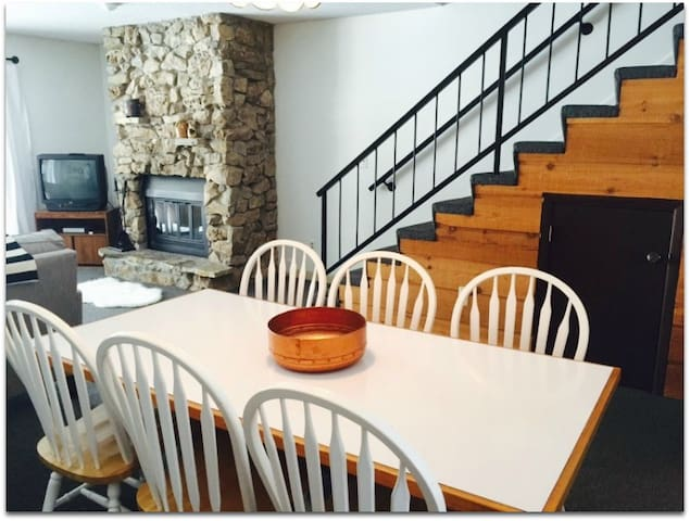 Family-friendly condo near Sleeping Bear Dunes and Traverse City - Cedar