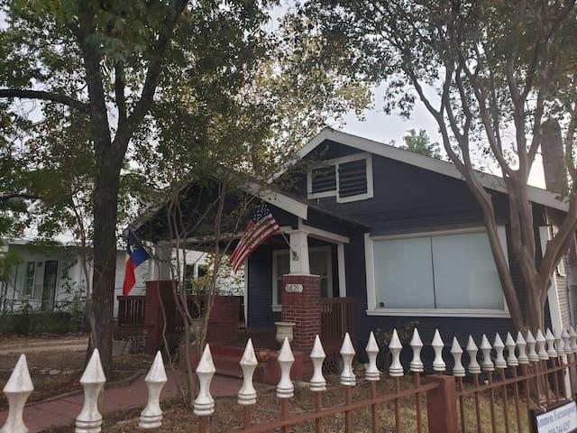 Perfect spacious home 3blocks from Riverwalk/Pearl
