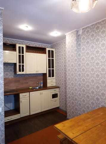 Двухкомнатная с ванной холодильником с кресломкров