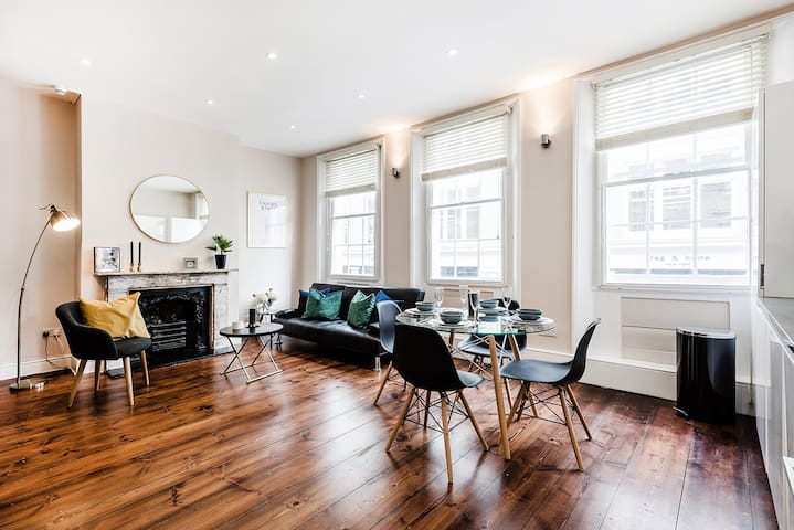 MODERN CHARACTERFUL 1-BED APT IN SOHO