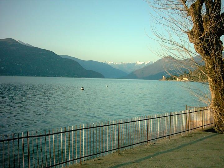 Villa Giardino al Lago 5400m2, Wohnfläche 250m2