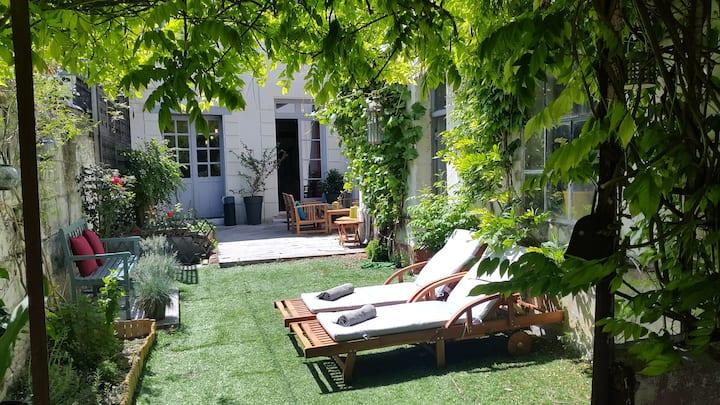 Loch'House Touraine: La chambre du Jardin