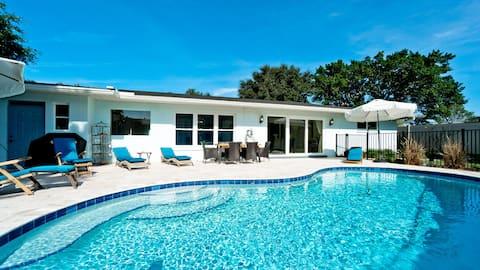 Riverview Breeze - Heated Pool, 1 Lvl, Sleeps 16!