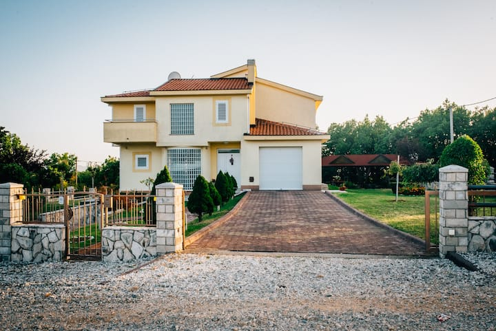 Vlla Hercegovina
