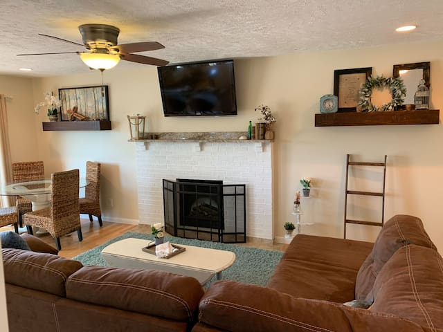 Living room, main floor, pullout couch.