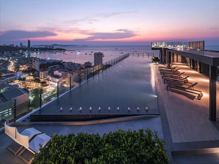 The Base Pattaya, Best location,  Rooftop pool #T3