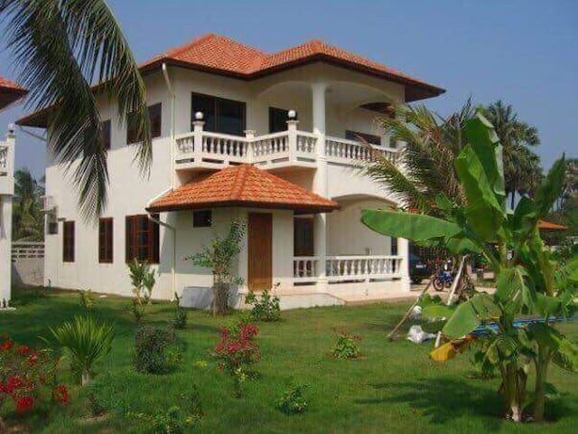 Villa 5 bedrooms nearby the beach, only 150 meter