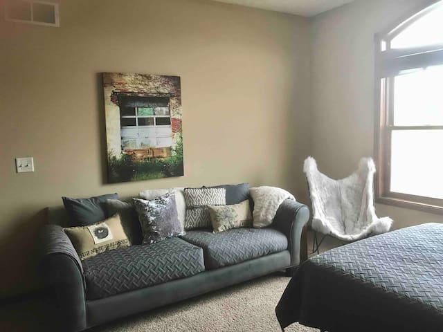 The Suite Life- 2 Private BR Great Location &Price