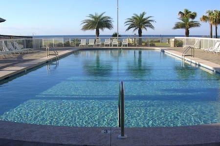 2BR Beach Condo with Fabulous Views - 오렌지 비치 - 아파트(콘도미니엄)