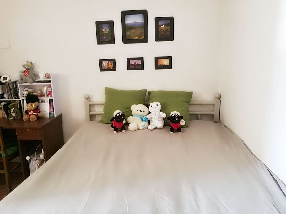 1.5*1.8米双人床 double-bedroom