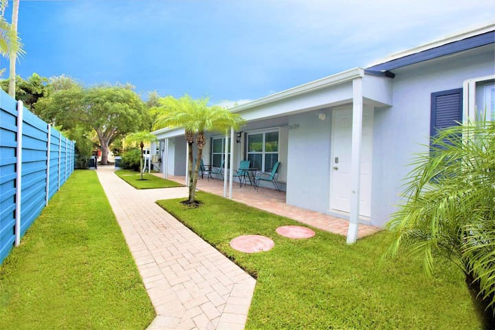 1637A FLL Private Apt.- 1.5 mi to Beach & Las Olas