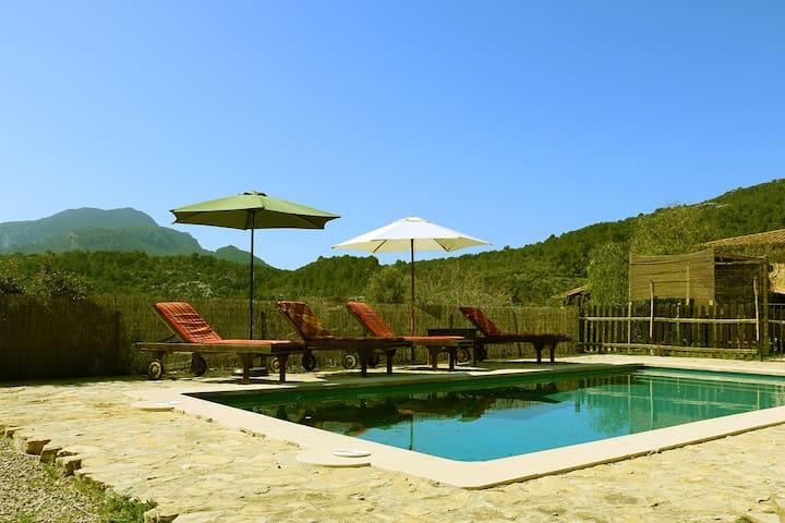 Habitaci n con con piscina privada para parejas villas en alquiler en esporles islas baleares - Habitacion piscina climatizada privada ...