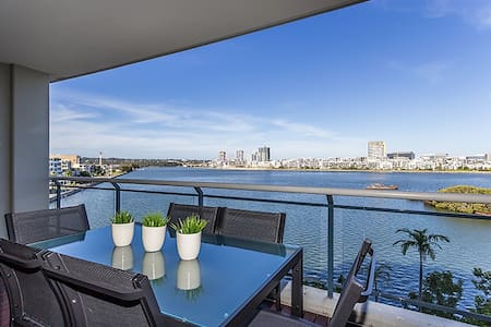 Breakers View - Brand New 2 Bedroom - Wentworth Point