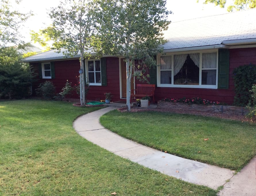 Cozy in colorado 2 houses for rent in grand junction for Hardwood floors grand junction