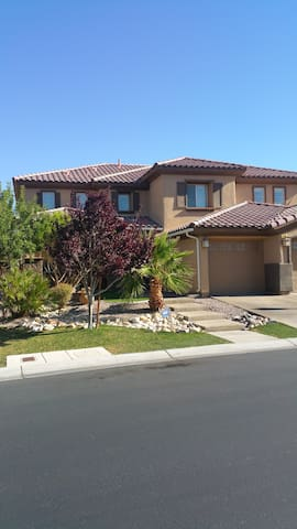 Las Vegas! 3800+ Sqft. Very Clean! - Las Vegas - Huis
