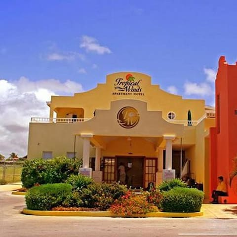 Tropical Winds Apt. Hotel