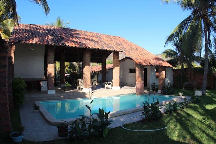 Beachfront house-your own paradise! - Sonsonate, El Salvador