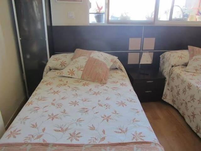 a nice room, in a good house - Polop de la Marina - Lakás