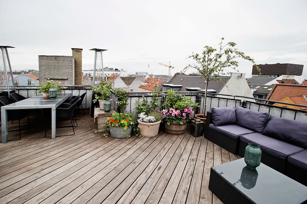 Nyhavn with private rooftop terrace apartments for rent for Danish terrace